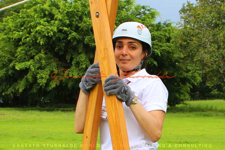 Costa Rica Talleres de Cuerdas - Team Building & Outdoor Training | Ernesto Yturralde Worldwide Inc.